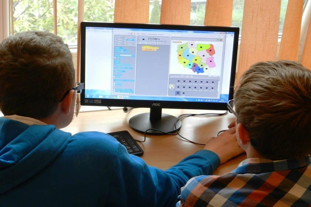 186 milionów złotych na laptopy dla uczniów i nauczycieli