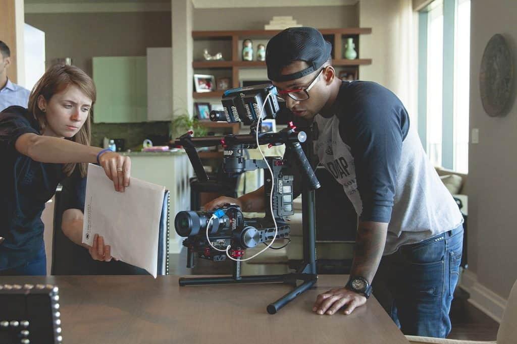 """PO Produkcja filmowa – produkcja filmów fabularnych pełnometrażowych mikrobudżetowych """"Pierwszy film"""""""