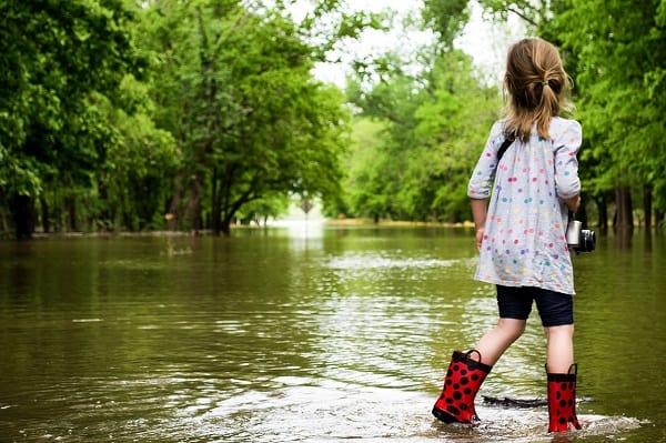 15 mln zł na pomoc dla dzieci z terenów objętych klęską żywiołową – rządowy program przyjęty przez Radę Ministrów