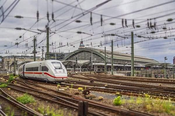 EURACTIV.pl: DiscoverEU – Darmowe bilety kolejowe dla młodych Europejczyków. 2021 Europejskim Rokiem Kolei